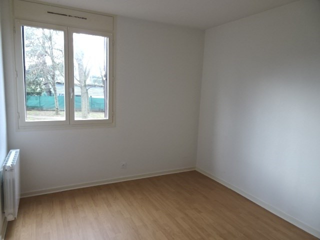 Location appartement Gleize 652,33€ CC - Photo 5
