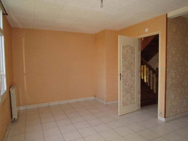 Sale house / villa Saint-jean-d'angély 90 900€ - Picture 5
