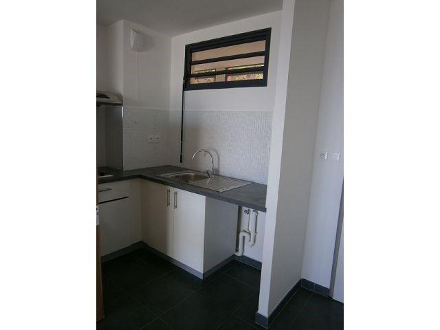 Location appartement St denis 578€ CC - Photo 3