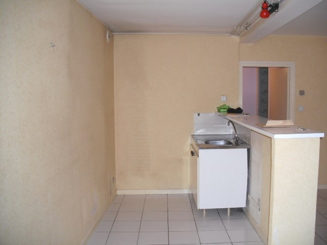 Location appartement Villefranche sur saone 431€ CC - Photo 1