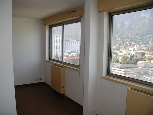 Location appartement La tronche 399€ CC - Photo 2