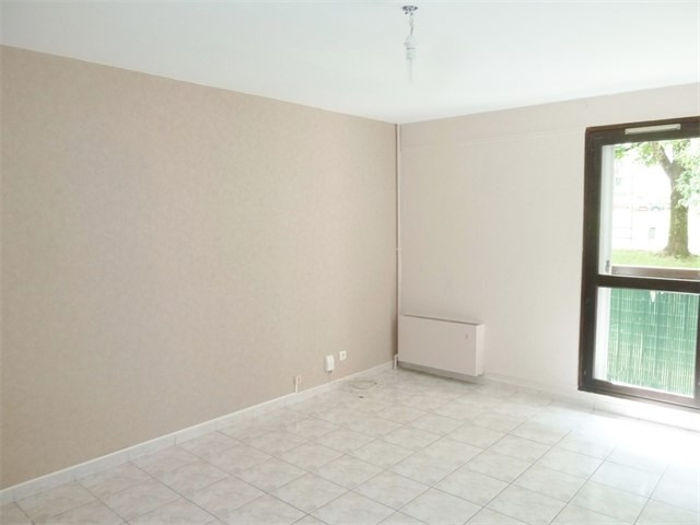Rental apartment Cran gevrier 670€ CC - Picture 1