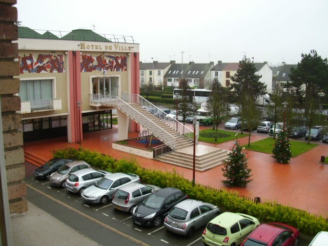 Location appartement Maurepas 739€ CC - Photo 1