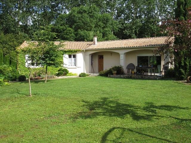 Sale house / villa Les touches-de-périgny 174900€ - Picture 1