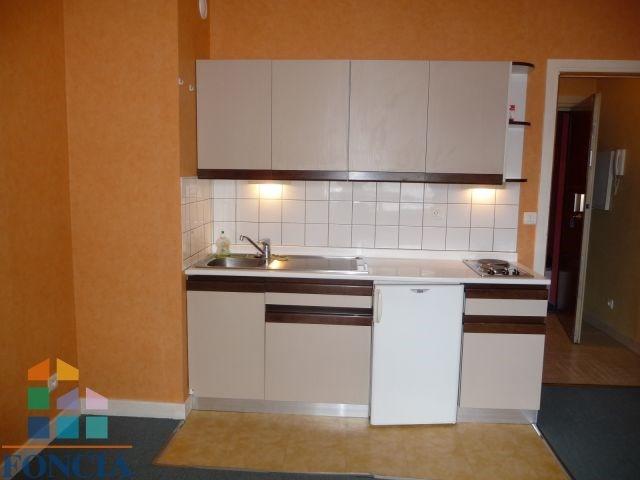 Location appartement Chambéry 420€ CC - Photo 3