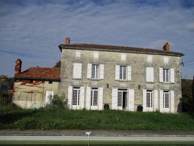Sale house / villa Saint-jean-d'angély 465000€ - Picture 1