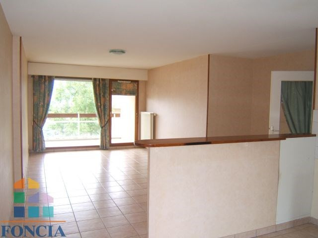 Location appartement Bassens 655€ CC - Photo 1