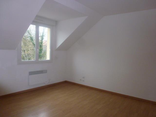 Rental apartment Vaux le penil 687€ CC - Picture 3