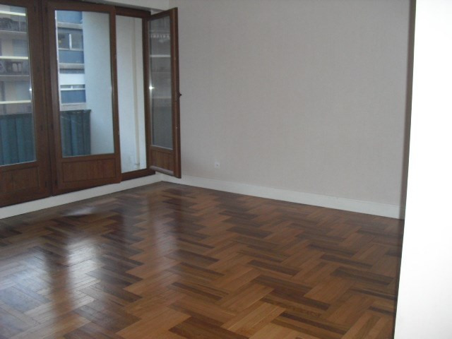 Location appartement Grenoble 860€ CC - Photo 3