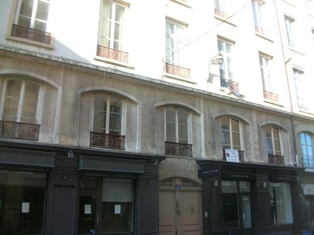 Location appartement Lyon 2ème 1062€ CC - Photo 1
