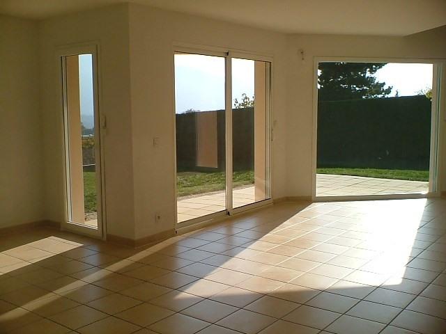 Location maison / villa St ismier 1700€ CC - Photo 2