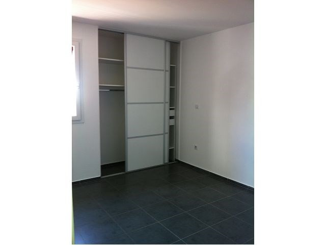 Location appartement Ste clotilde 700€ CC - Photo 4