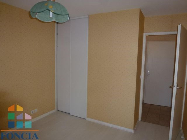 Location appartement Bassens 655€ CC - Photo 5