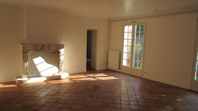 Sale house / villa Saint-jean-d'angély 190 800€ - Picture 4
