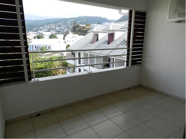 Location appartement St denis 380€ CC - Photo 4