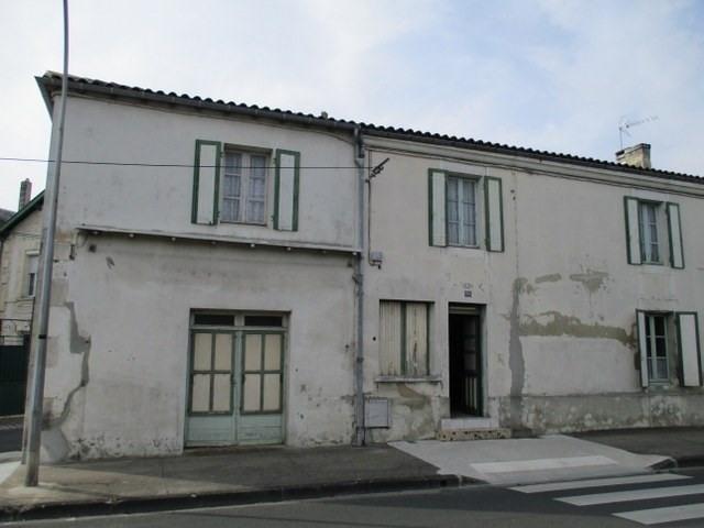 Sale house / villa Saint-jean-d'angély 97000€ - Picture 1