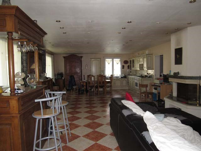 Sale house / villa Saint-jean-d'angély 243 800€ - Picture 6