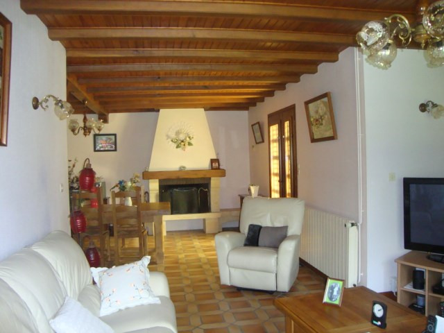 Sale house / villa Loulay 274 300€ - Picture 5