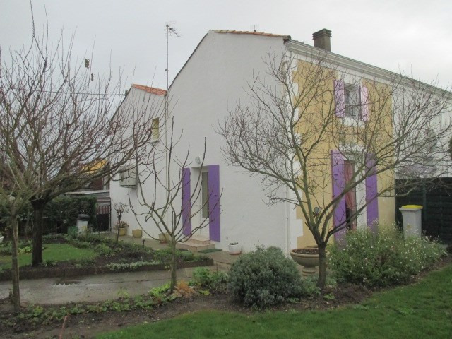 Sale house / villa Lussant 146 280€ - Picture 1