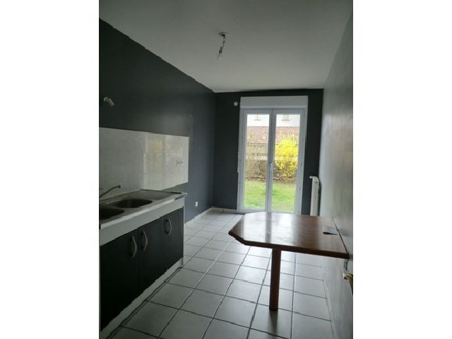 Rental apartment Chalon sur saone 729€ CC - Picture 2