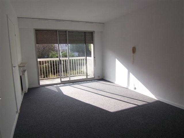 Location appartement Asnieres sur seine 1036€ CC - Photo 4