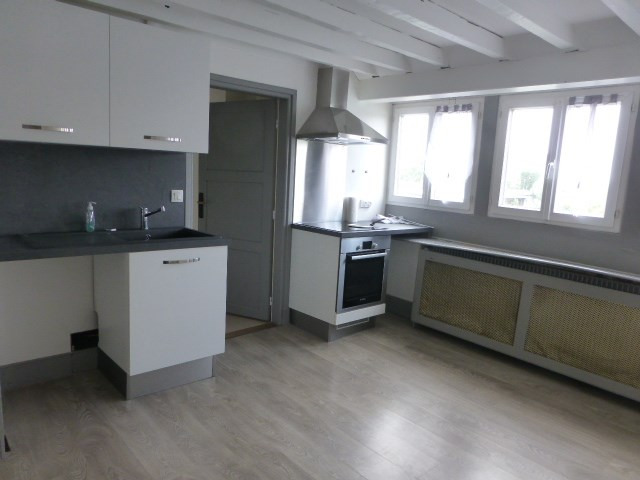 Location appartement Mantes la jolie 740€ CC - Photo 2