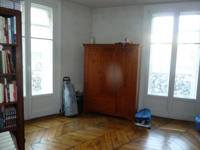 Sale apartment Paris 10ème 930000€ - Picture 12