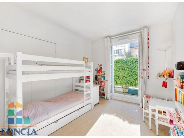 Deluxe sale apartment Suresnes 1 150 000€ - Picture 10