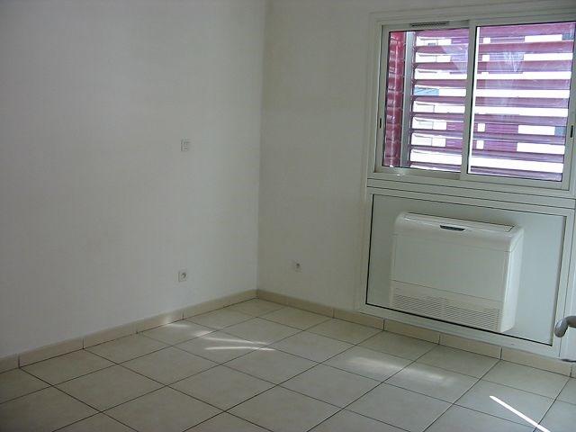 Location appartement St denis 730€ CC - Photo 5