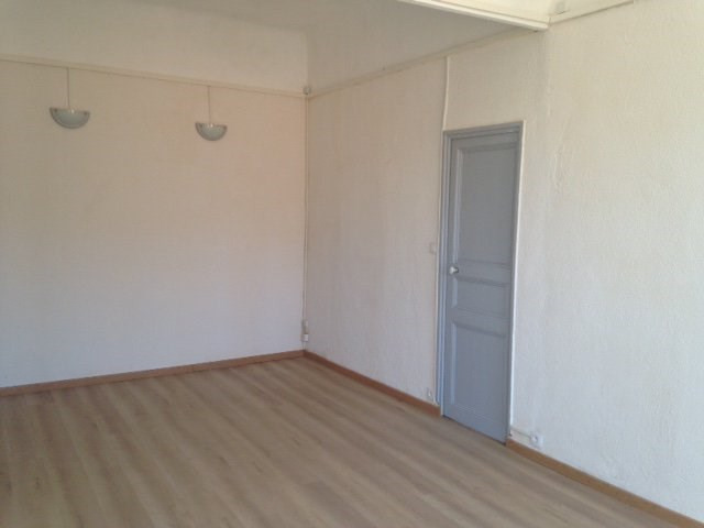 Rental apartment Marseille 5ème 600€ CC - Picture 3