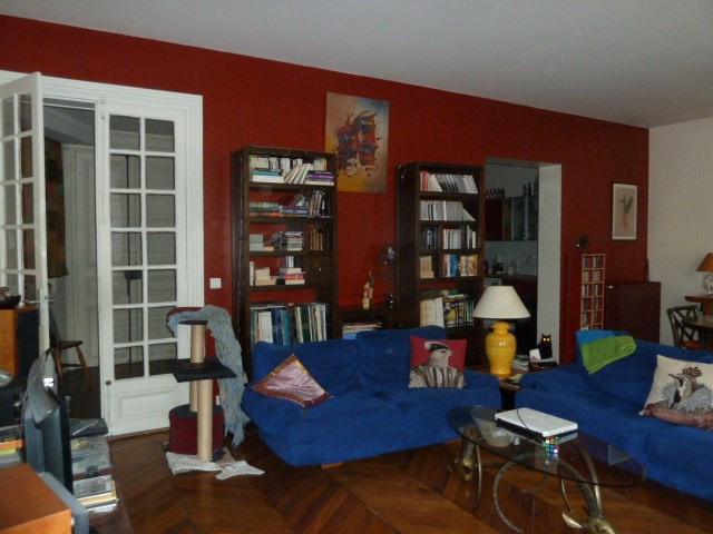 Sale apartment Paris 10ème 930000€ - Picture 3