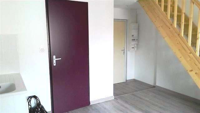 Location appartement Chazay d azergues 444,09€ CC - Photo 1