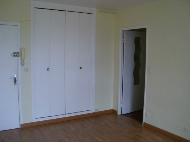 Rental apartment Maurepas 598€ CC - Picture 3