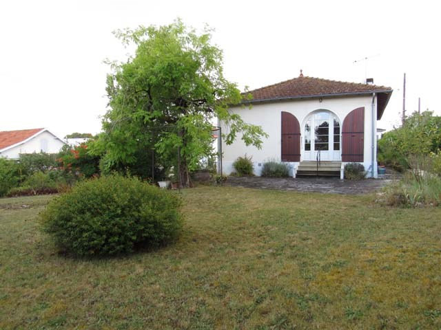 Sale house / villa Saint-jean-d'angély 148 400€ - Picture 2