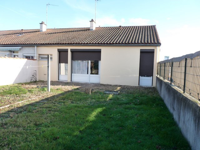 Sale house / villa Feurs 130 000€ - Picture 1