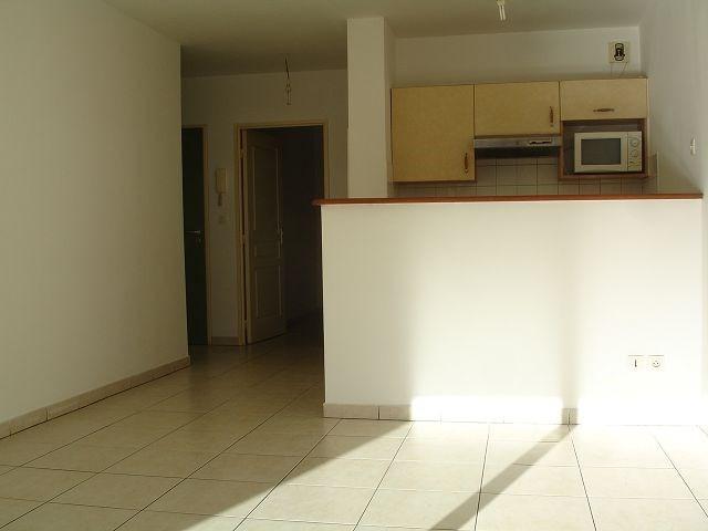 Location appartement St denis 546€ CC - Photo 4