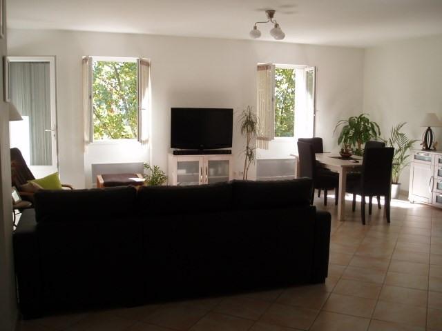 Location appartement Trets 940€ CC - Photo 2