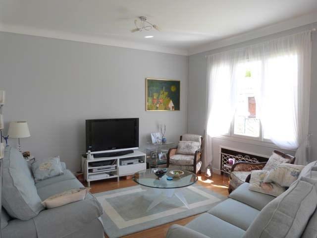 Sale house / villa Saint-jean-d'angély 263750€ - Picture 2
