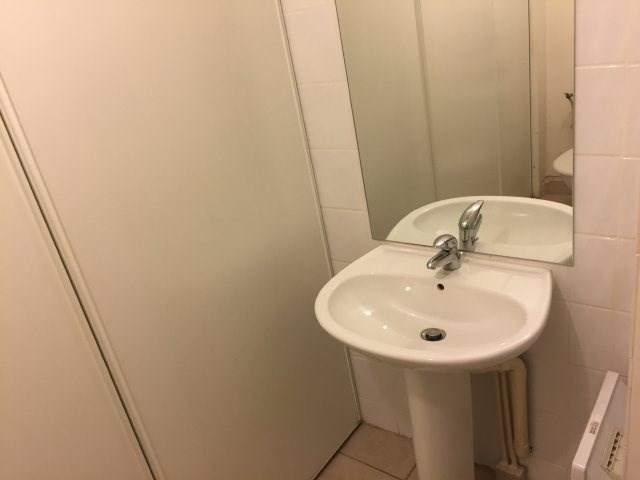 Location appartement Marseille 5ème 346€ CC - Photo 5