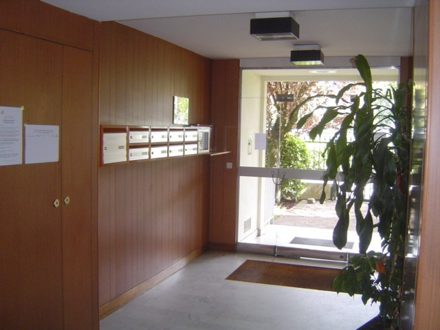 Sale apartment Les pavillons sous bois 250000€ - Picture 1