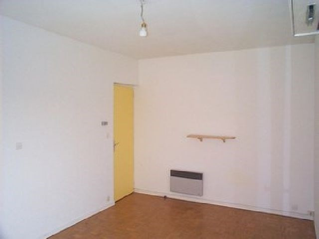 Rental apartment Chalon sur saone 327€ CC - Picture 4