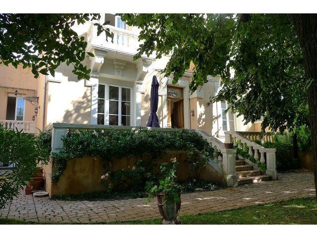 Deluxe sale house / villa Orange 630000€ - Picture 2