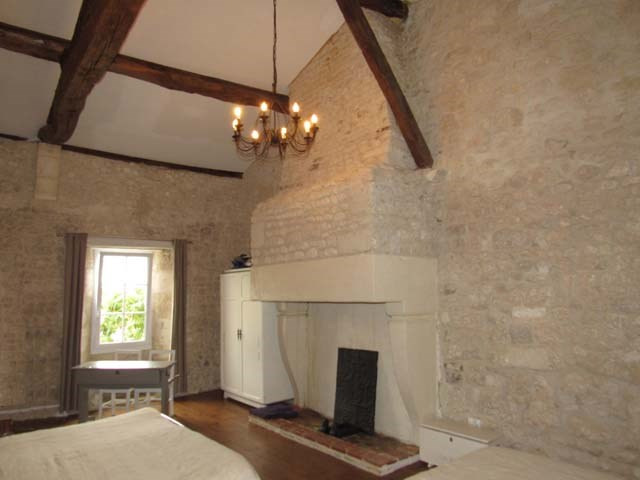 Sale house / villa Saint-jean-d'angély 332 325€ - Picture 4