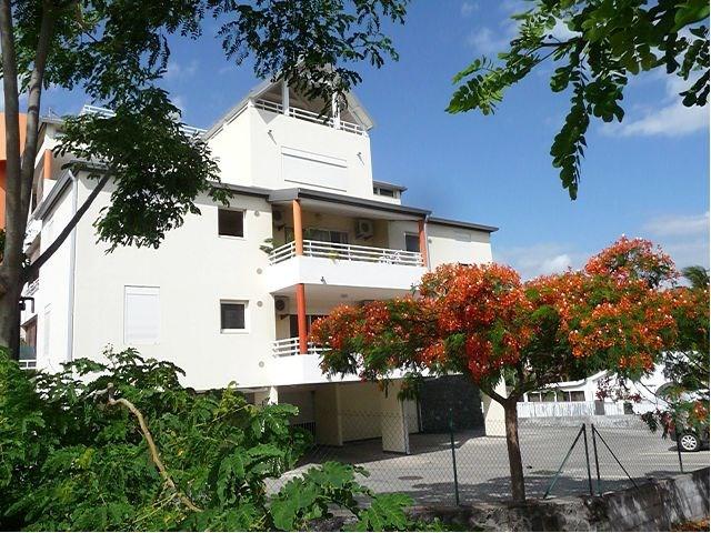 Location appartement L etang sale 690€ CC - Photo 1
