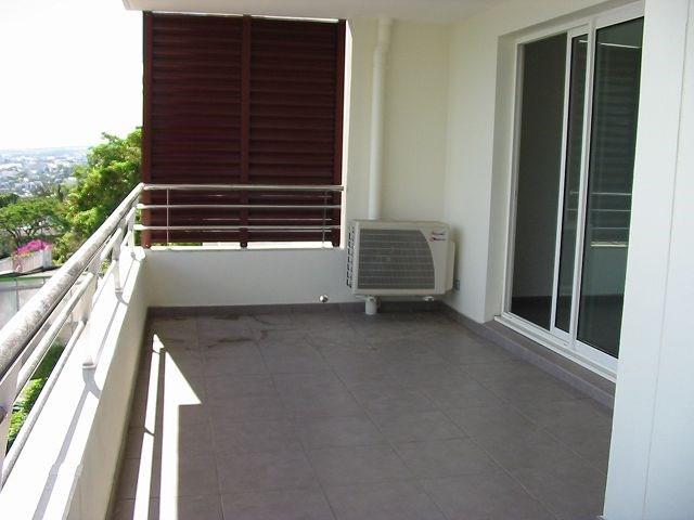 Location appartement St denis 872€ CC - Photo 4