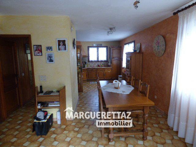 Sale house / villa Bonneville 380 000€ - Picture 4