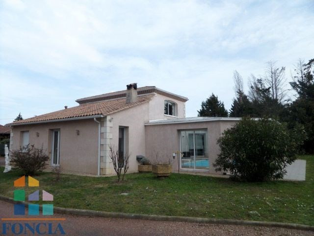Sale house / villa Bergerac 430 000€ - Picture 1