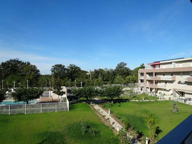 Rental apartment Montfavet 925€ CC - Picture 1