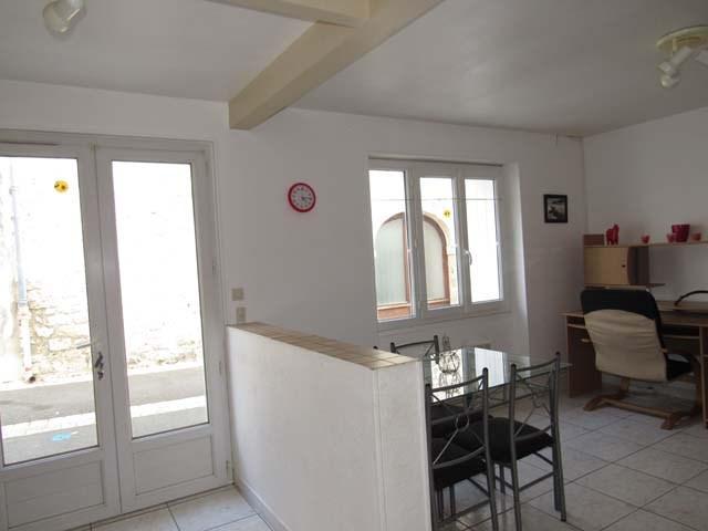 Sale house / villa Saint savinien 75000€ - Picture 2