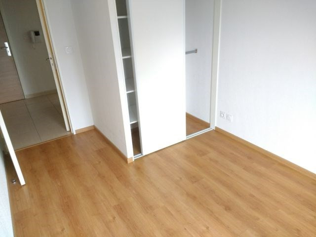 Location appartement Meyzieu 748€ CC - Photo 4